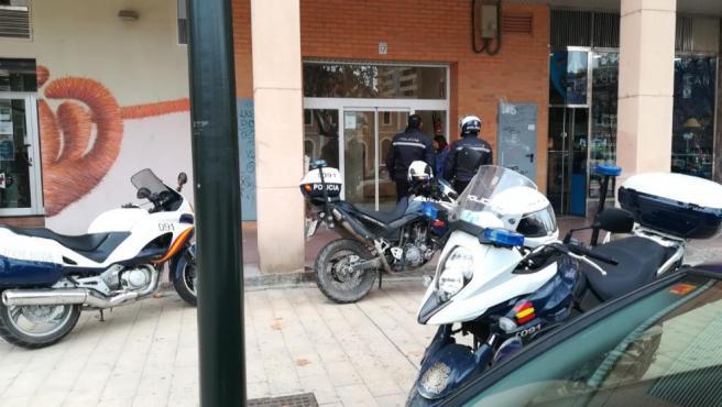 Puertas del edificio donde se ha producido la agresión.
