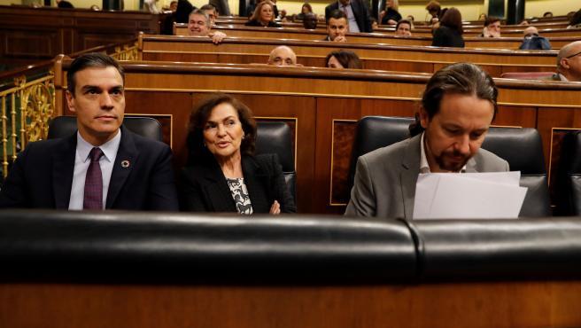 Sánchez,Calvo e Iglesias durante la sesión de control.
