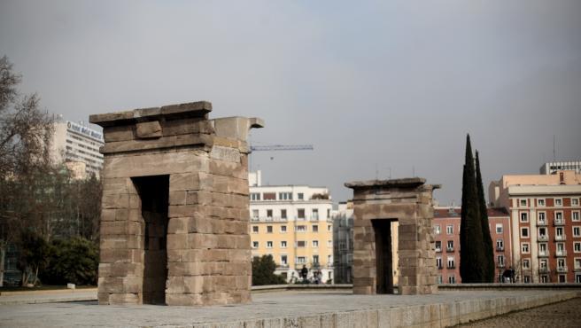 Bloques del Templo de Debod del antiguo Egipto en el Parque del Oeste junto al Paseo del Pintor Rosales, en Madrid (España) a 11 de febrero de 2020.