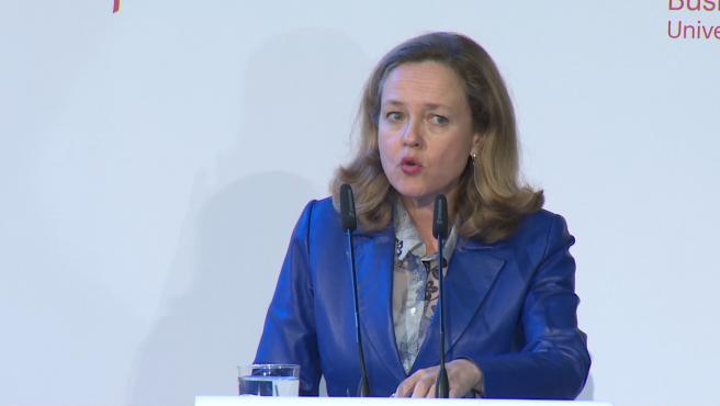 """Calviño señala que las previsiones de Bruselas están """"alineadas"""" con el Gobierno"""