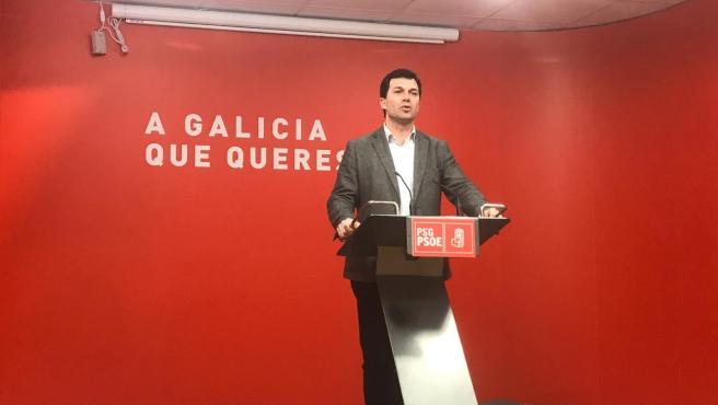 El secretario xeral del PSdeG, Gonzalo Caballero, en la rueda de prensa
