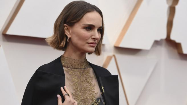 Natalie Portman se defiende de las críticas a su vestido en los Oscar 2020