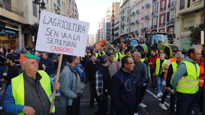 Tractorada en Valencia por el futuro del campo y la España vaciada