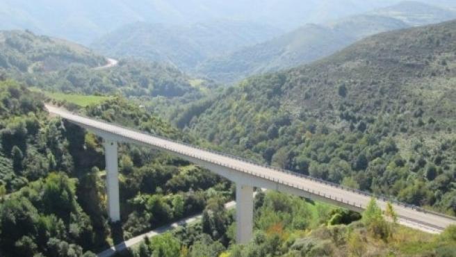 Viaducto de As Lamas en la A-6 en la comarca de El Bierzo (León).