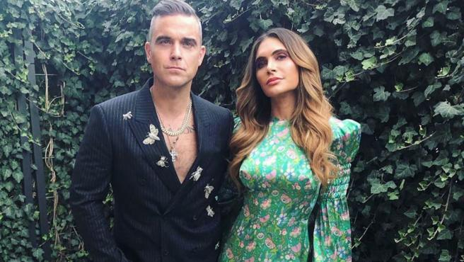Robbie Williams y su esposa Ayda Field, en una imagen publicada por ella en Instagram.