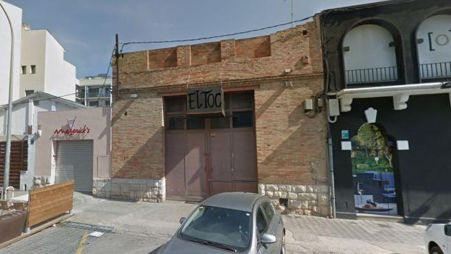 Exterior del bar musical El Toc en Figueres, Girona.