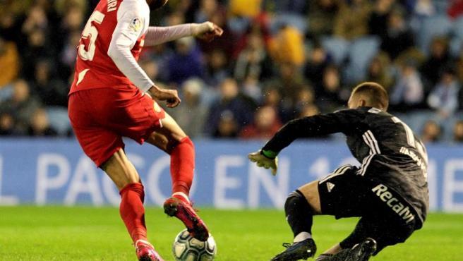 En-Nesyri, en un partido con el Sevilla.