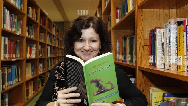La escritora y periodista Esther Bengoechea.