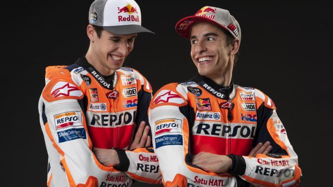 Álex y Marc Márquez, durante la presentación del equipo Honda.