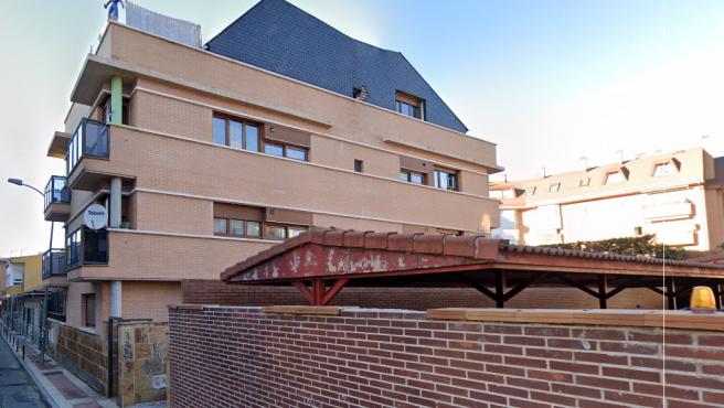 El bloque okupa de Collado Villalba que atemoriza a los vecinos de la zona.