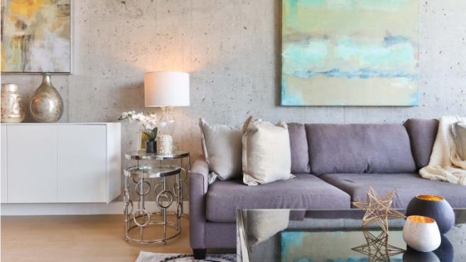 Escoger un sofá que se adapte en cuanto a color y decoración es importante para la estética del salón