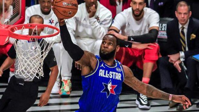 LeBron James, en una acción del partido.