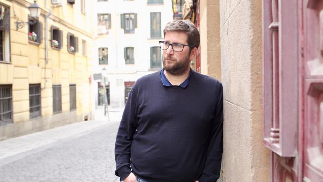 El eurodiputado Miguel Urbán, antes de la entrevista con 20 Minutos.
