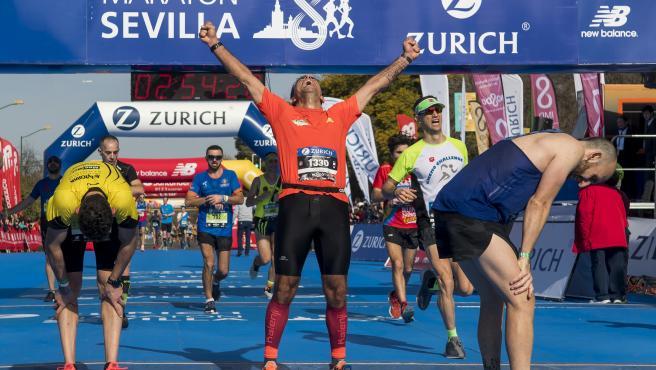 Participantes en el Maratón de Sevilla