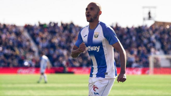 Braithwaite celebra un gol con el Leganés.