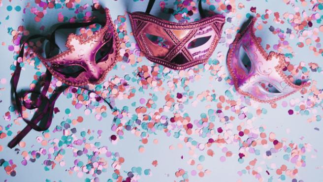 Las máscaras son un básico en los disfraces de Carnaval.