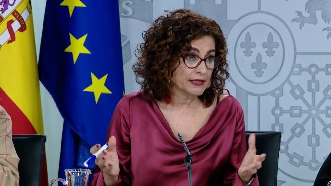"""El Gobierno dice que en sólo un año ha reducido la deuda """"tanto como Rajoy"""""""