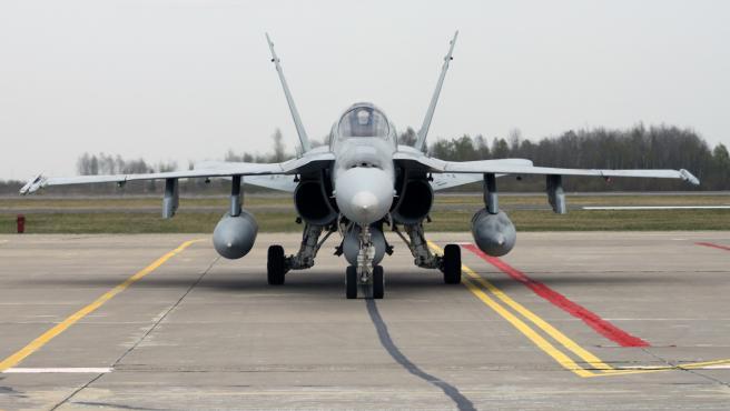 F-18 español en la misión de Policía Aérea del Báltico