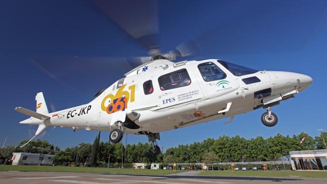 Imagen de un helicóptero del 061