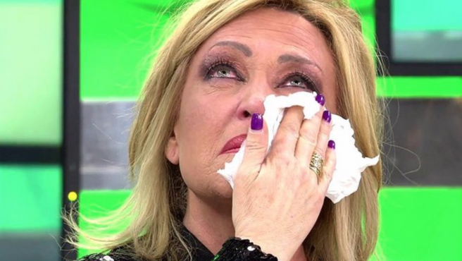 Lydia Lozano rompe a llorar en 'Sálvame'.
