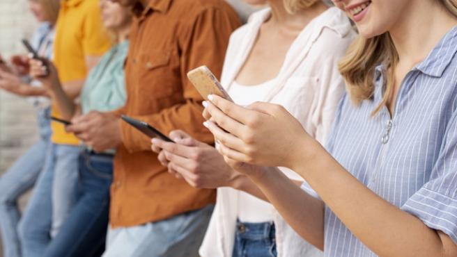 Los móviles de segunda mano son una buena opción si queremos ahorrar dinero.