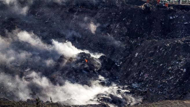 Incendios en el vertedero derrumbado de Zaldibar.