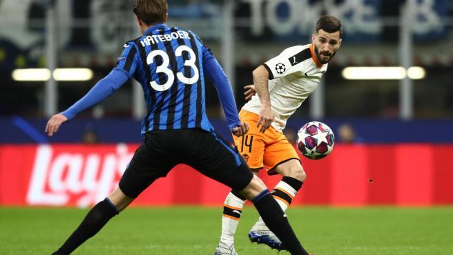 Un lance del partido entre el Atalanta y el Valencia