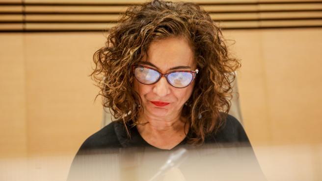 La ministra de Hacienda y portavoz del Gobierno, María Jesús Montero, durante su comparecencia en la Comisión de Hacienda del Congreso de los Diputados.