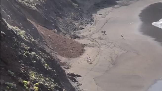Derrumbe de un talud en la playa de El Arenal