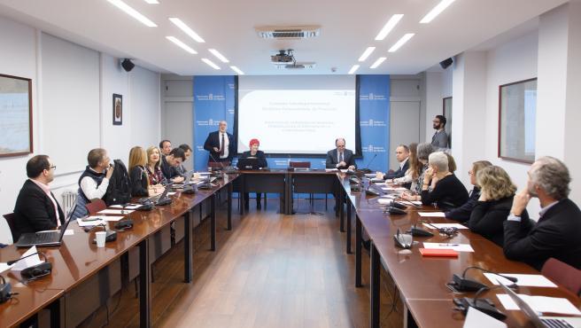 Desayuno informativo para presentar la Comisión Interdepartamental para la Estrategia Integral de Medicina Personalizada de Navarra.