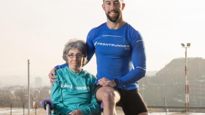 Eric Domingo, corredor, y su madre, con esclerosis múltiple, correrán juntos la próxima Maratón de Sevilla.