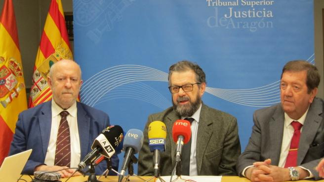 Los presidentes de las Audiencias Provinciales de Zaragoza, Alfonso Ballestín; Huesca, Santiago Serena; y Teruel, Fermín Hernández.