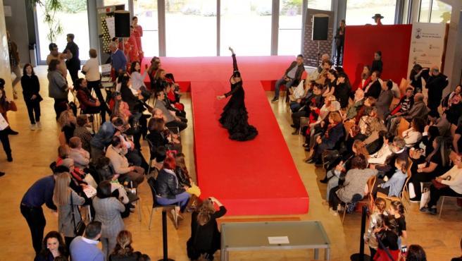 Miles de bailaores se citan en Alcalá de Guadaíra en el Salón Nacional de Danza y Moda.