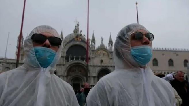 El brote de coronavirus que tiene en alerta a Italia ha obligado a la suspensión del carnaval de Venecia, donde según las autoridades, hay dos las personas contagiadas que se suman a los 89 casos de Lombardía, los 24 de Véneto, los 9 en Emilia Romagna y los 6 en Piamonte.