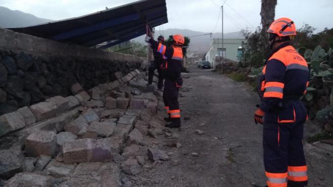 Caída de un muro en La Orotava debido al viento