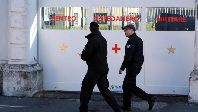 Imagen de un centro hospitalario militar en Milán durante la crisis del coronavirus.