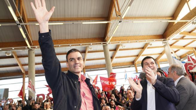 Pedro Sanchez y Gonzalo Caballero en el mitin prersentación candidato a las elecciones autonómicas de Galicia
