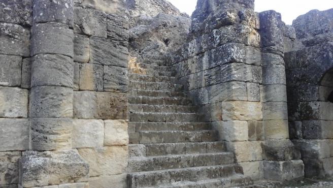 Escalera monumental del anfiteatro romano de Itálica