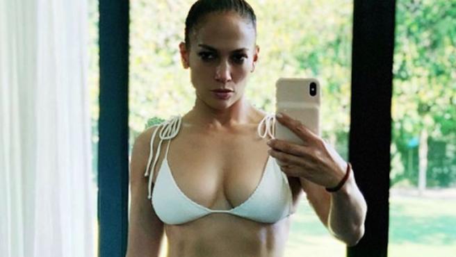Jennifer Lopez en bikini inspira el nuevo reto viral de Instagram