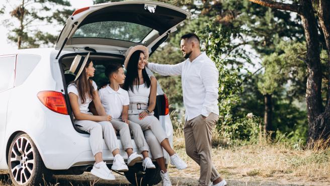 Con solo un hijo todavía puede servir un compacto urbano, pero a partir del segundo toca empezar a plantearse la compra de un nuevo coche