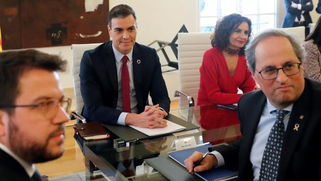 Comienza la mesa de diálogo para Cataluña con Sánchez y Torra a la cabeza.