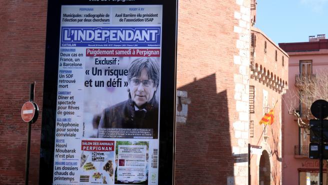 Portada de la entrevista del diario L'Independent a Puigdemont en Perpiñán.