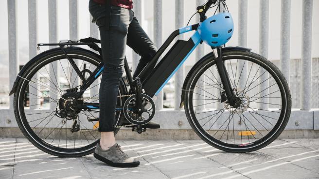 - Las bicis eléctricas pueden usarse ya sobre cualquier terreno y hay estilos para todo tipo de ciclista, del urbano al off-road