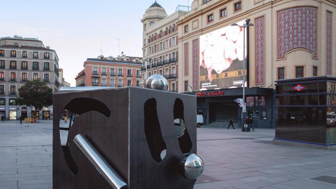 Instalación de Abel Iglesias en la Plaza de Callao de Madrid.