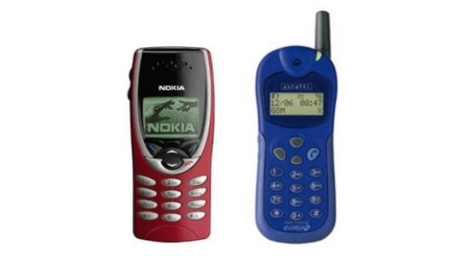 Dos modelos míticos: el Nokia 8210 y el Alcatel One Touch Easy