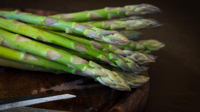 En marzo empieza la temporada del espárrago verde, una verdura muy diurética y rica en ácido fólico.