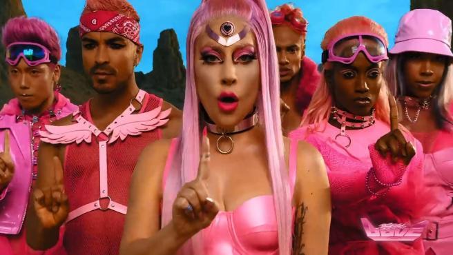 Lady Gaga, en el vídeo de 'Stupid Love'.