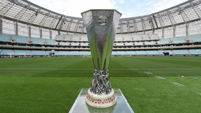 El trofeo de la Europa League, antes de la final de 2019