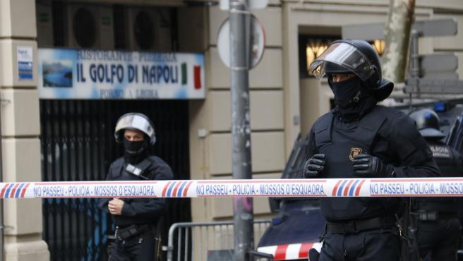 Dispositivo policial de Mossos ante el bloc Llavors.
