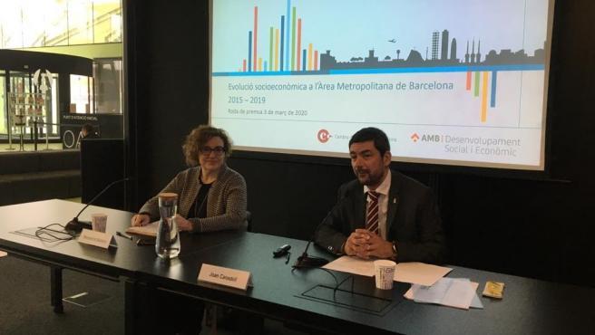 La vicepresidenta de Desarrollo Social y Económico del Área Metropolitana de Barcelona (AMB), Montserrat Ballarín, y el presidente de la Cámara de Barcelona, Joan Canadell, en rueda de prensa este martes